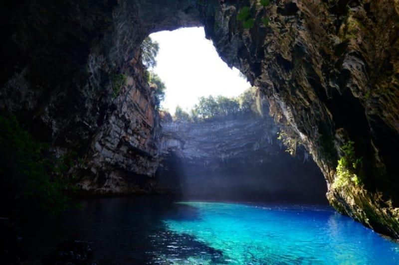 ケファロニアの青の洞窟