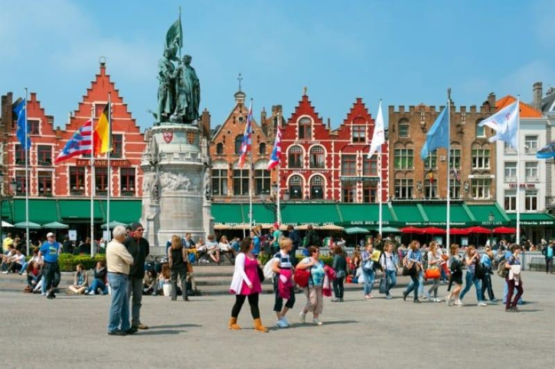 旧市街の中心、マルクト広場