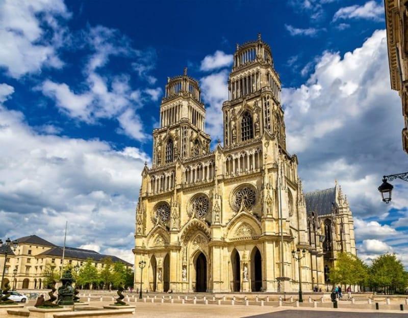 ジャンヌ・ダルクゆかりの大聖堂「サント・クロワ大聖堂」