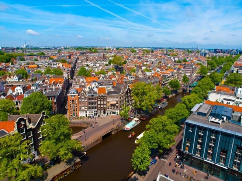 アムステルダムと運河