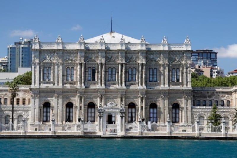 オスマン帝国最後の王宮『ドルマバフチェ宮殿』