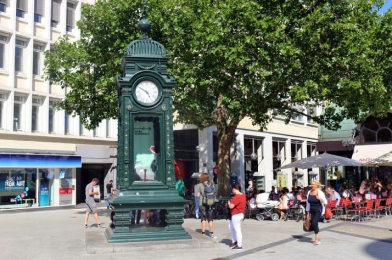 クレプケ駅の豪華な時計