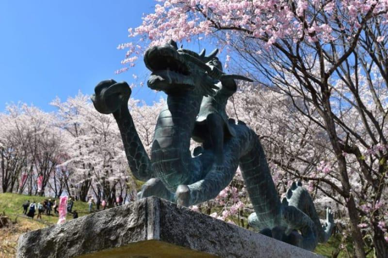 96765:弘法山に登るなら、泉小太郎像がある南東側ルートがおススメ!