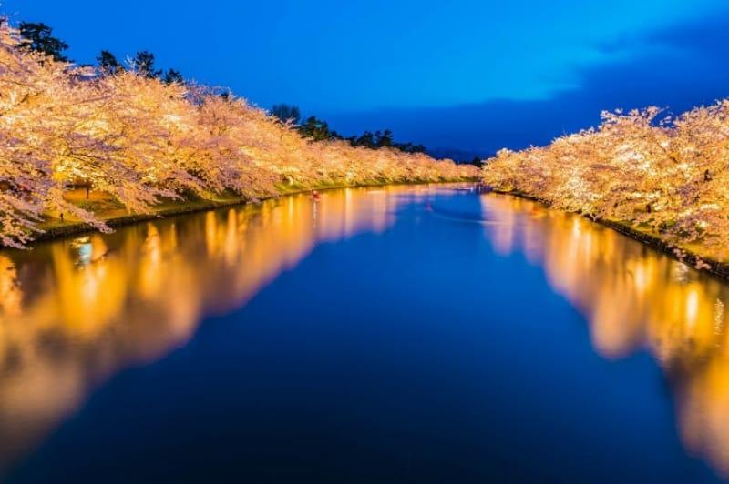 弘前城を彩る弘前公園の四季の景色