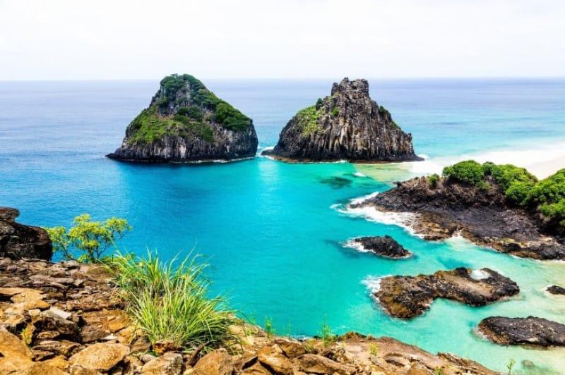 17)コバルトブルーの美しい環礁「ブラジルの大西洋上の島々」(自然遺産・2001年登録)