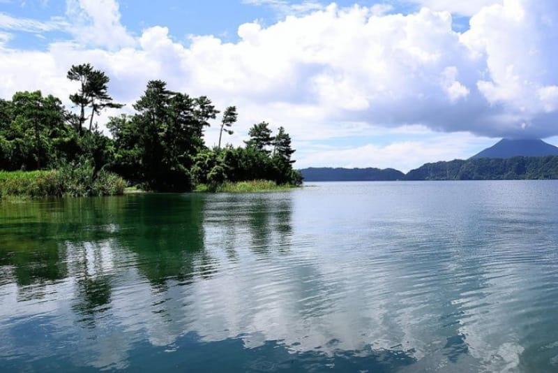 九州最大の湖 池田湖