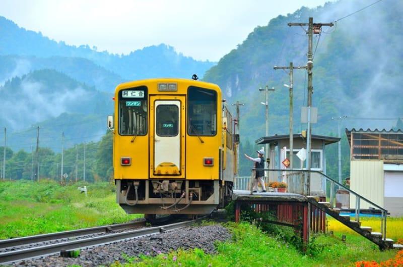 駅のシーンのモデルになったと噂の「前田南駅」