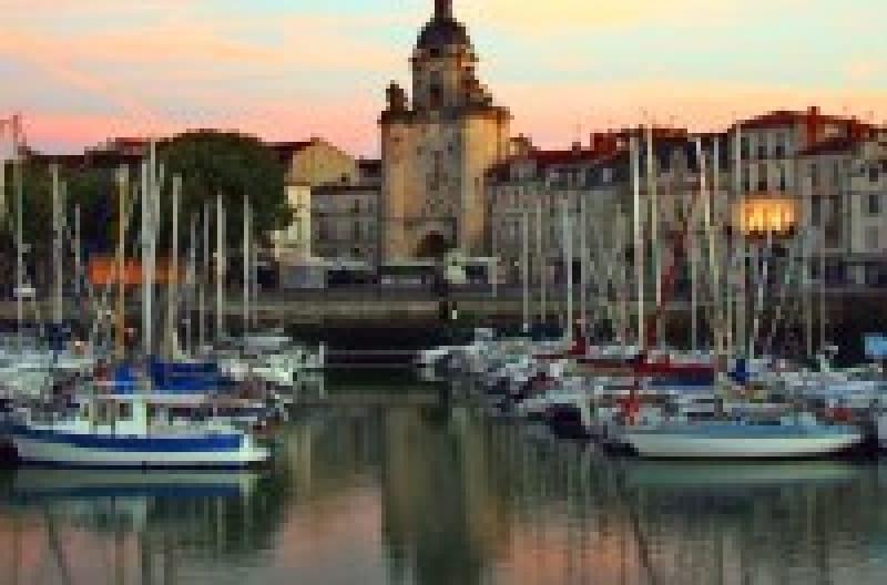 大西洋で最も美しいフランスの港町「ラ・ロシェル」で見ておきたい観光スポット4選 | wondertrip