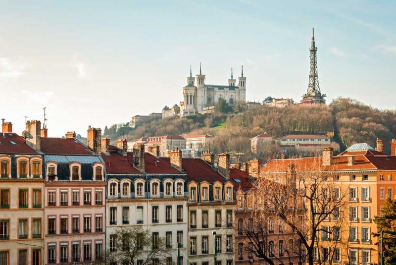 激動の歴史を目の当たりにした美食の街、フランス「リヨン歴史地区」の ...
