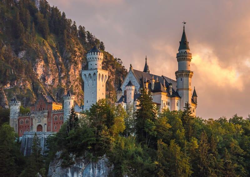 シンデレラ城のモデルになった城「ノイシュヴァンシュタイン城」/ドイツ