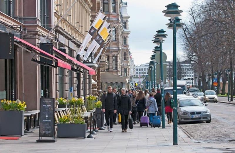 ヘルシンキのメインストリート エスプラナーディ