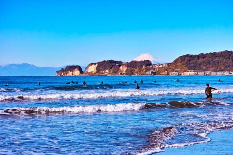 風光明媚な人気のビーチ・湯河原海水浴場