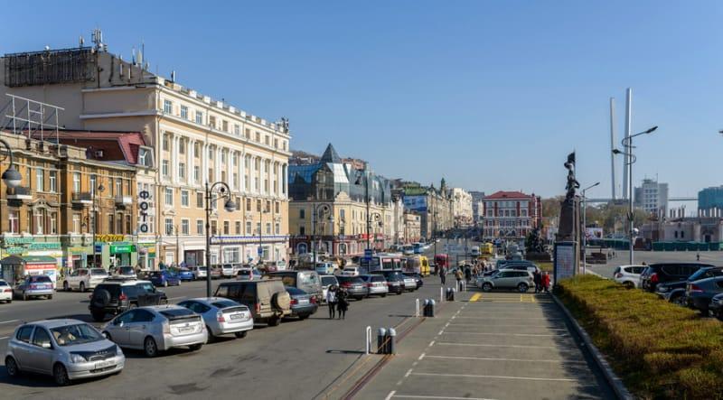 ウラジオストックのメインストリート・スヴェトランスカヤ通り