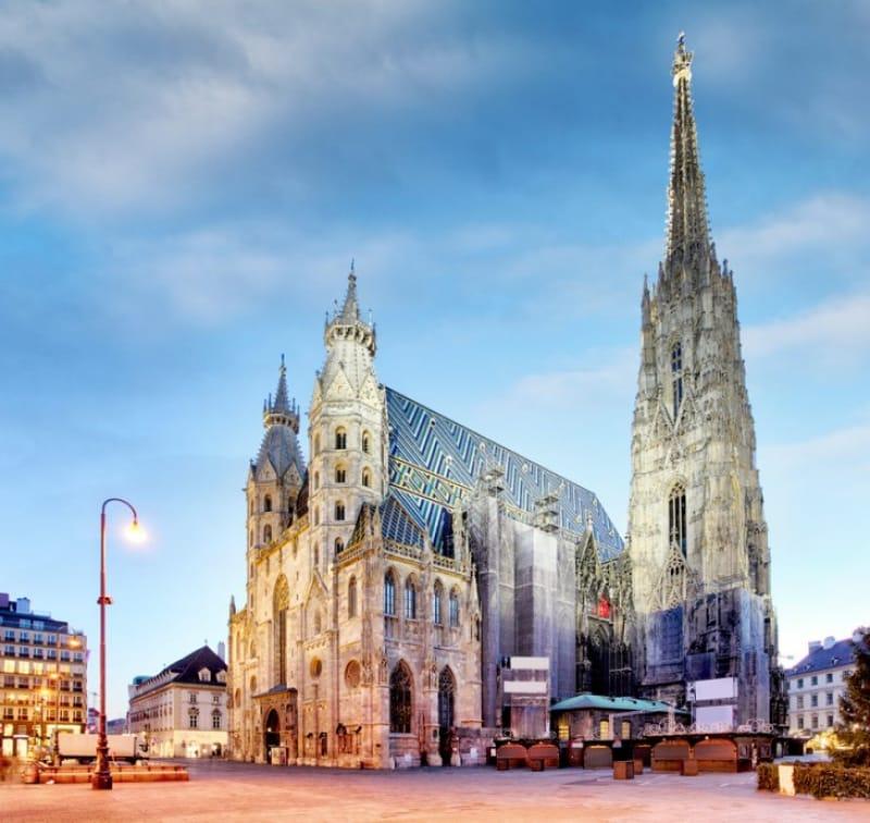 【必見】ウィーン市内で一番有名な教会 シュテファン寺院