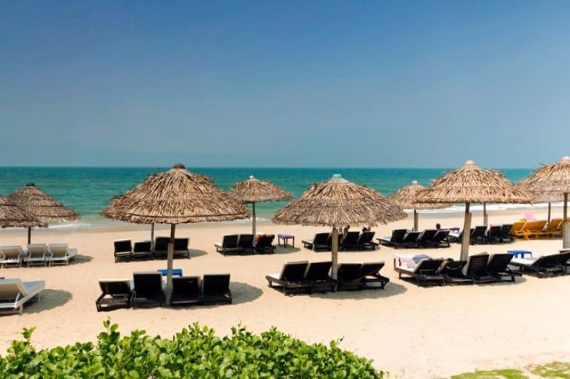 リゾート気分を味わうならアンバンビーチ