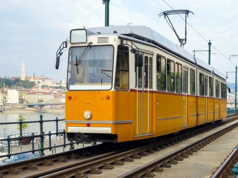 ブダペスト内を走るトラム