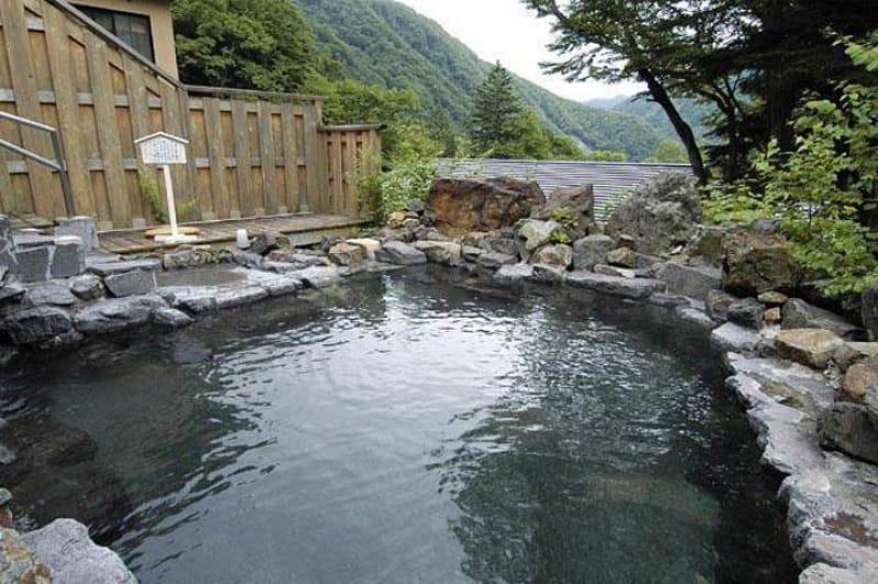 中の湯温泉 中の湯温泉旅館