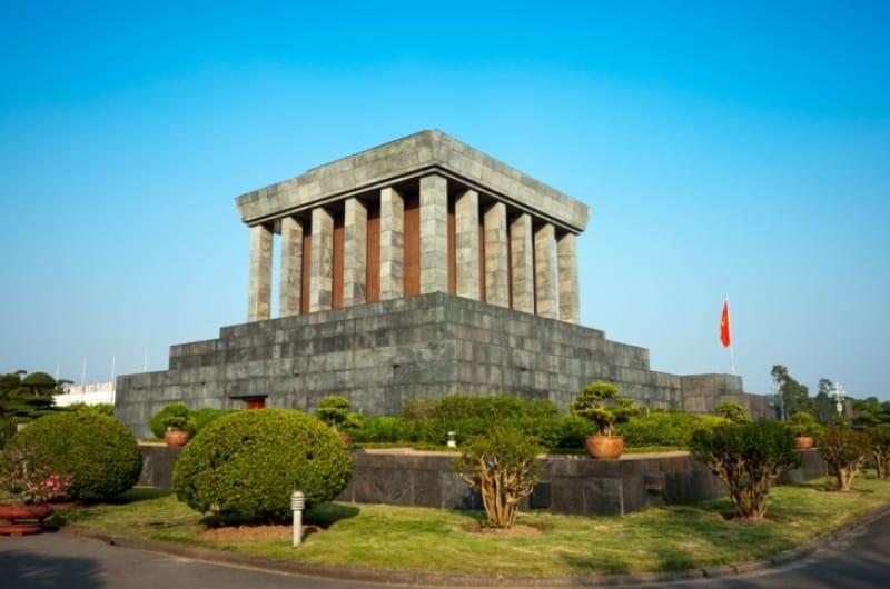 国父が眠る場所、ホーチミン廟