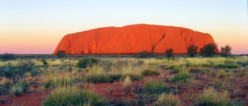 オーストラリア原住民アボリジニから親しまれてきた『ウルル』とは、エアーズロックなり