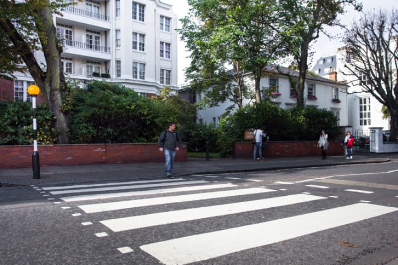 世界一有名なスタジオと横断歩道、アビー・ロード・スタジオ