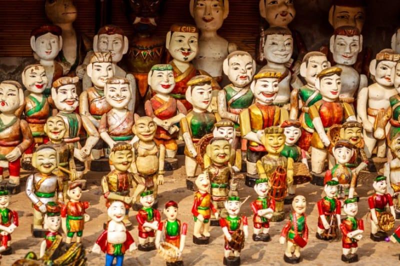 水上人形劇が見られるホイアン劇場