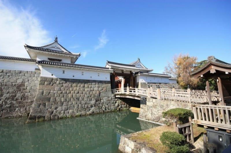 駿府城とは