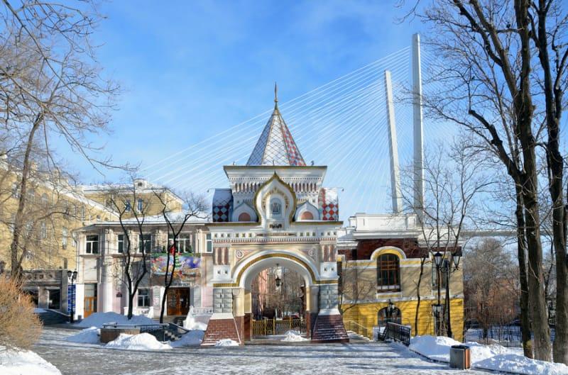 絶好の写真スポット・ニコライ二世凱旋門