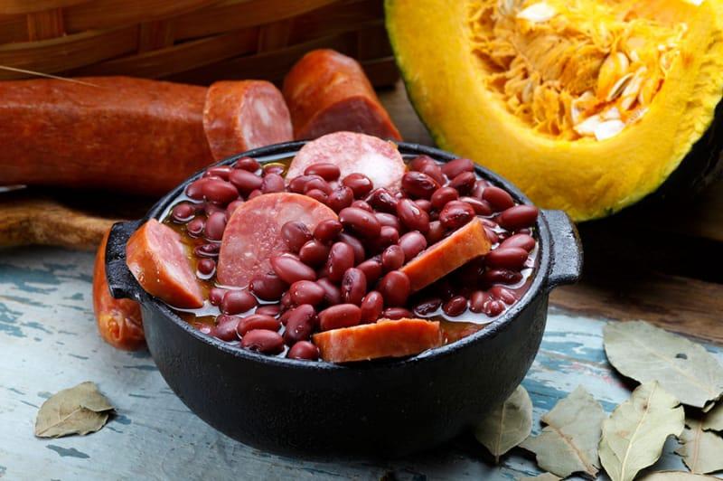 お豆とお肉のシチュー、フェイジョアーダ