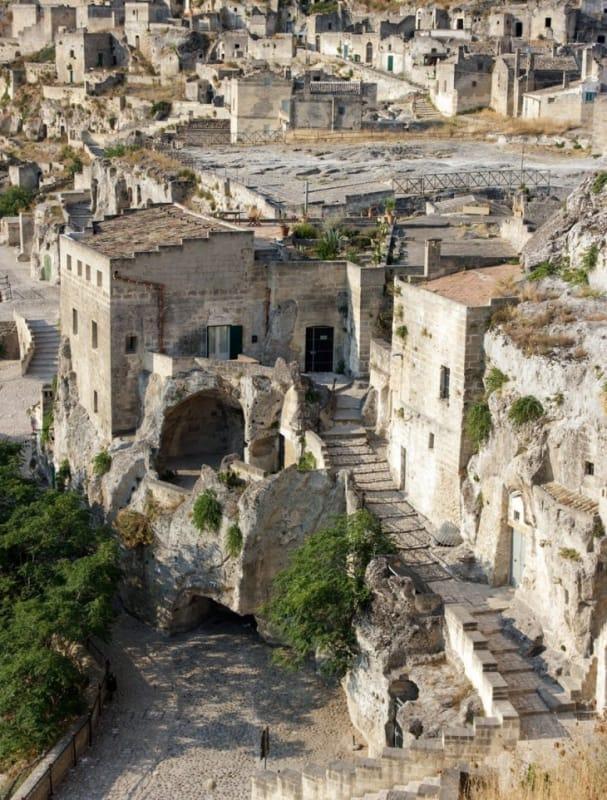マテーラの洞窟住居群を歩く
