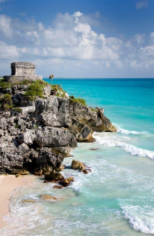 海を見つめるマヤ文明の遺産、トゥルム遺跡