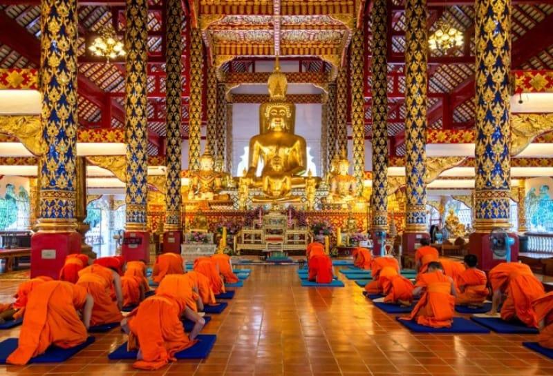 巨大な仏像 ワット・スアン・ドーク(内部)