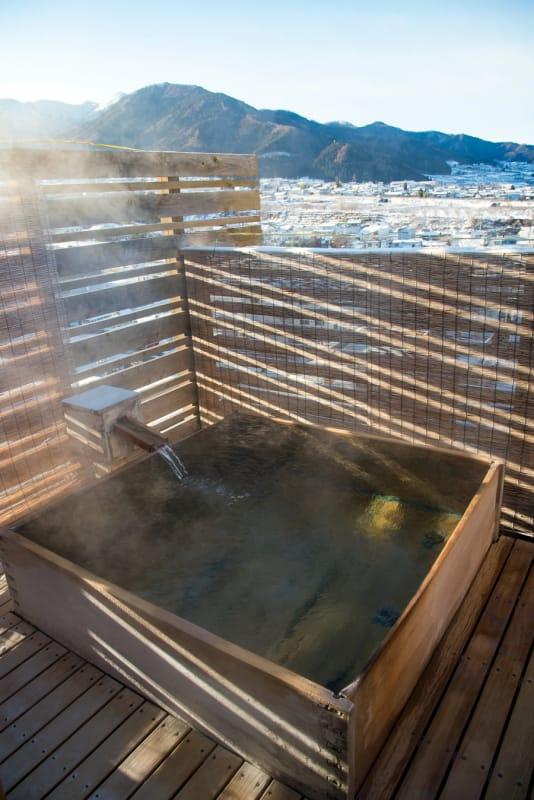 スタイリッシュな佇まい・仏生山温泉