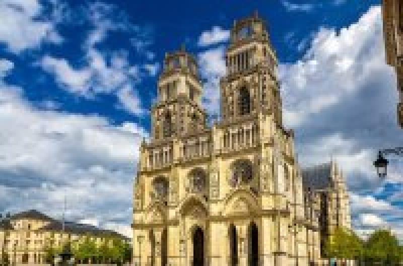 ジャンヌダルクの伝説が残る街「フランス・オルレアン」で見ておきたいスポット7選 | wondertrip