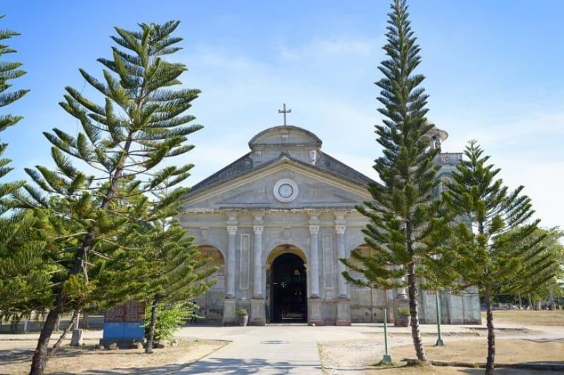58635:バクラヨン教会で愛を誓いたい!