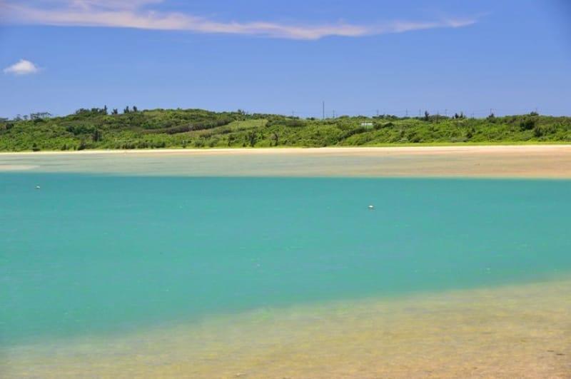トゥマールビーチから幻の島が見えるかな?