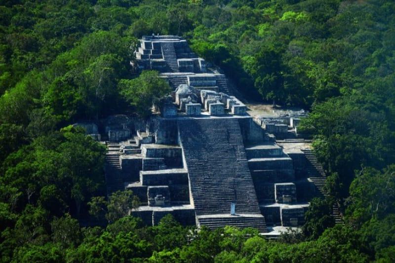 世界遺産のマヤ遺跡「カラクムル」