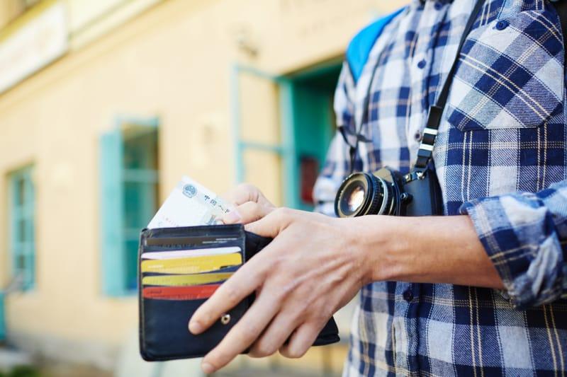 海外旅行用の財布の選び方!財布は分けて持つのがおすすめ | tabiyori ...