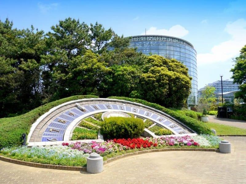 約48000株もの草木が茂る花の美術館