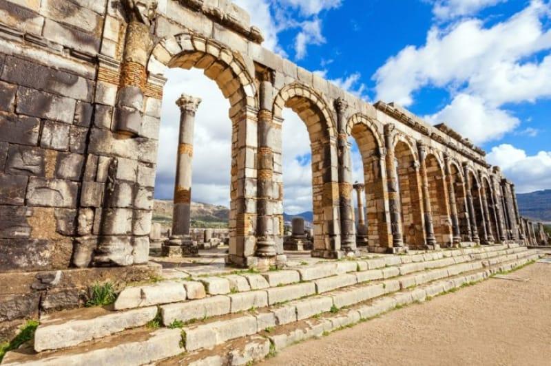 建物の中で最も大きい フォーラムとバシリカ礼拝堂