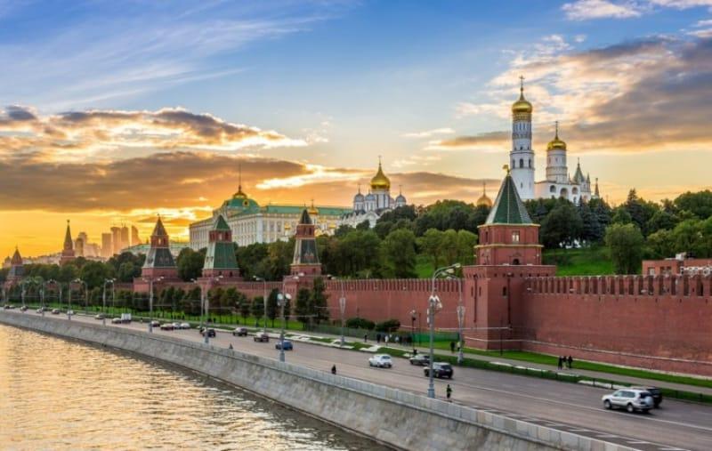 ふたたび首都の移転、サンクト・ペテルブルクからモスクワへ