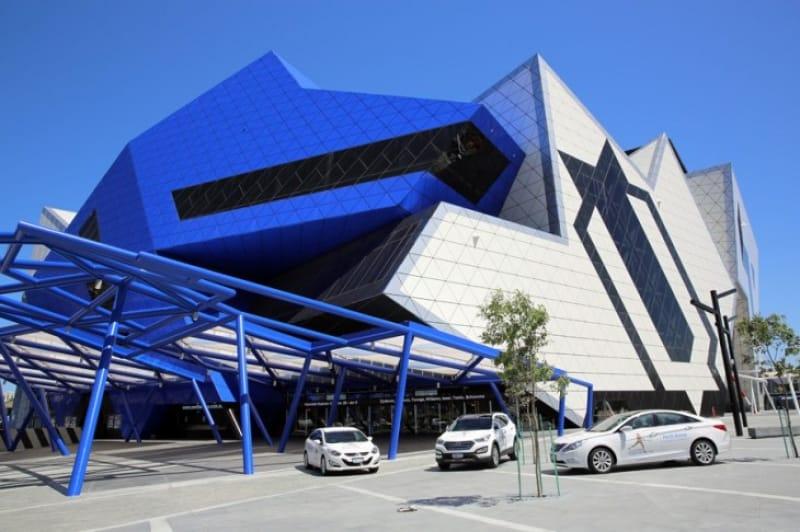 美しい幾何学建築のパースアリーナ