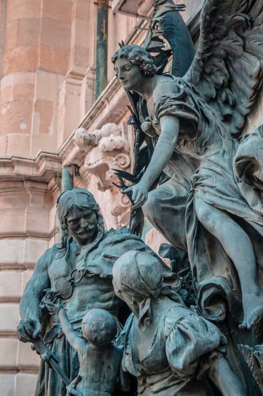 ハンガリーの苦難の歴史の象徴