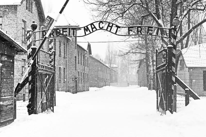 ユダヤ人を苦しめる過酷な冬