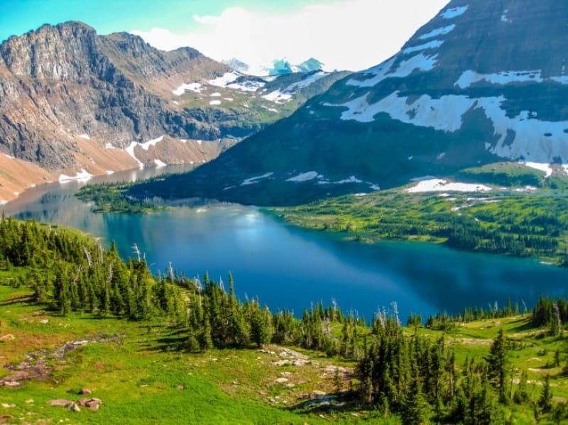 グレーシャー国立公園の珠玉の湖