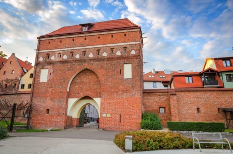 残された門で最も大きなモナスター門