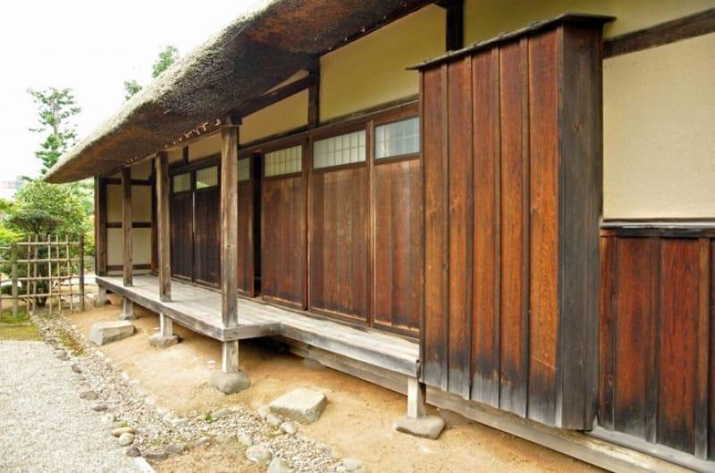 弘前城と一緒に感じる古いお屋敷とグルメ