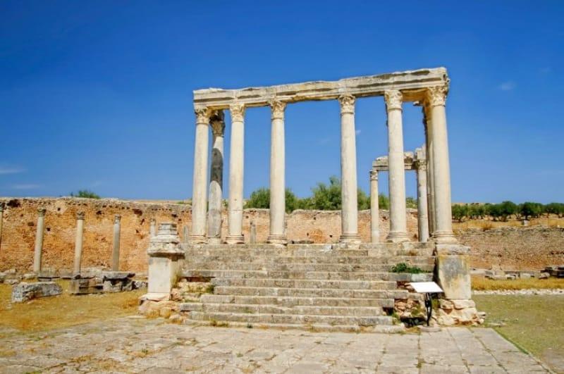 小さいながらも趣きのある「カエレスティス神殿」