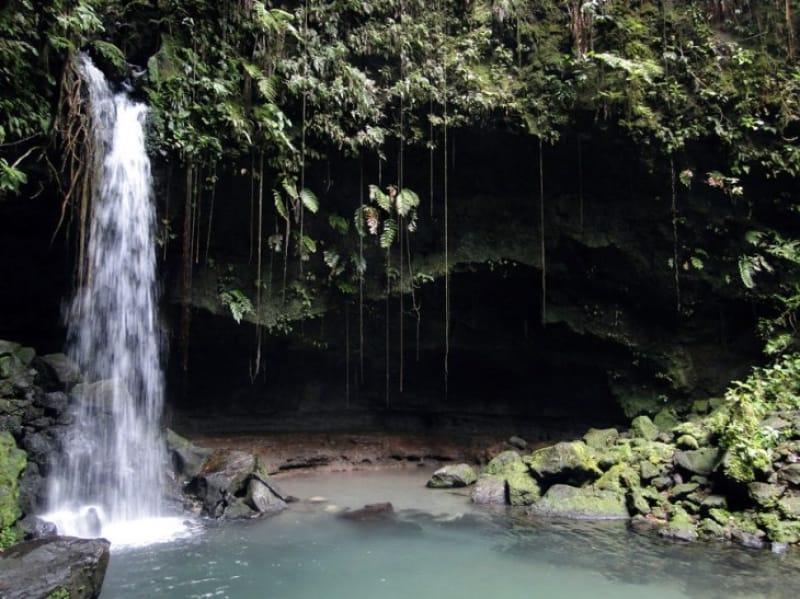 豊かな自然が残る ドミニカ国