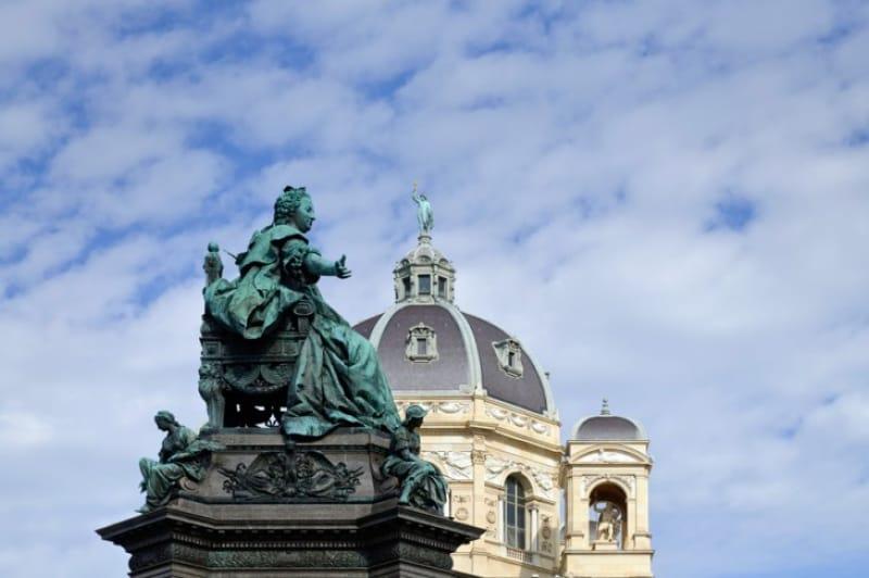 マリア・テレジアの父カール六世はスペイン王にもなりました