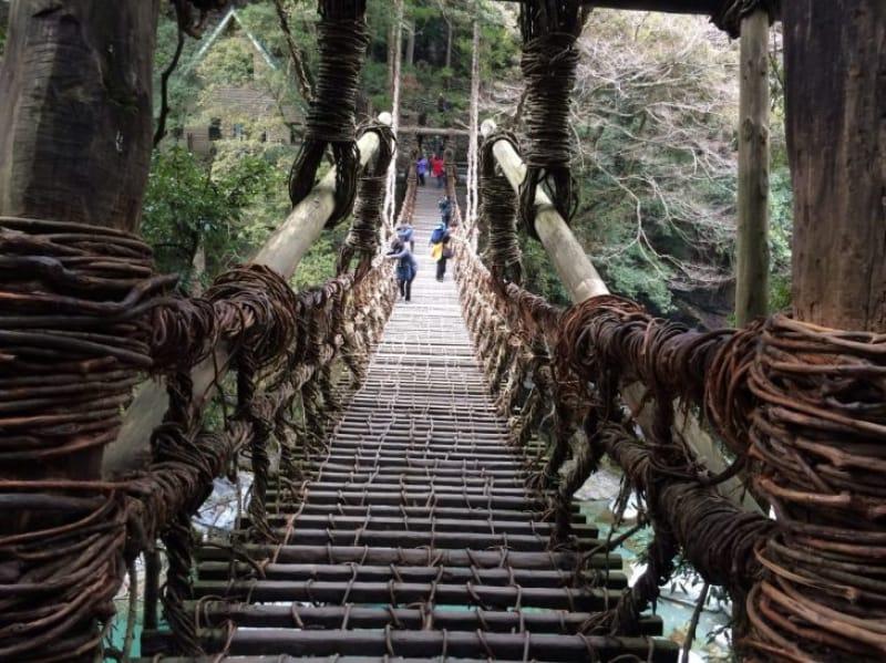 94087:あなた流の橋の渡り方を試してみませんか?